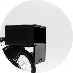 Bezorgbox, hard 85L, open achter op de fiets gemonteerd